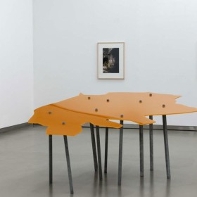 """Contraposto (orange)"" 110 x 250 x 145 cm. Steel, paint on plexiglass. 2002  NO DISPONIBLE /NOT AVAILABLE"