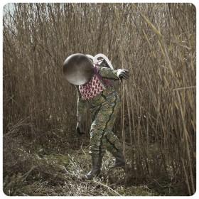 """Cristina de Middel: """"Bambuit"""", serie: The Afronauts, C-print, enmarcado/framed. Edición de 5 + 2 P.A. en 100 x 100 cm y Edición de 5 + 2 P.A. en 30 x 30 cm, 2012."""
